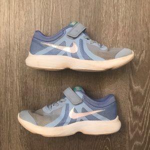Nike Revolution 4 BV7443-400 Little Girls Size 3Y